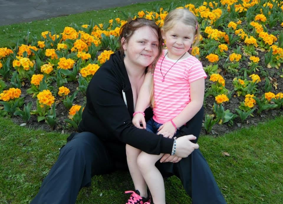 Rebecca Stanton, 29, and her daughter, Taylor, six, just before Rebecca decided to lose weight.