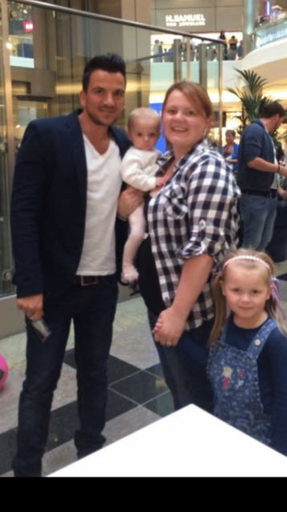 Rebecca Stanton, 29, with daughters Taylor, 6, and Kacy, meeting Peter Andre at a mall in Southampton, Nov 2014
